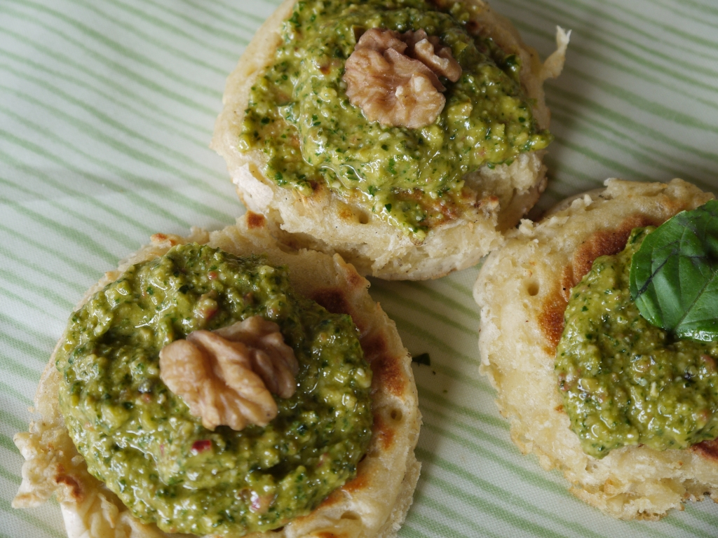 Crumpets with pesto